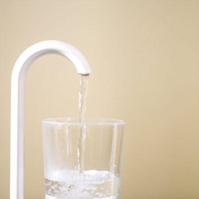 Praxis Dr. Oliver Samson Praxis - Wasserglas zum Ausspülen des Mundes